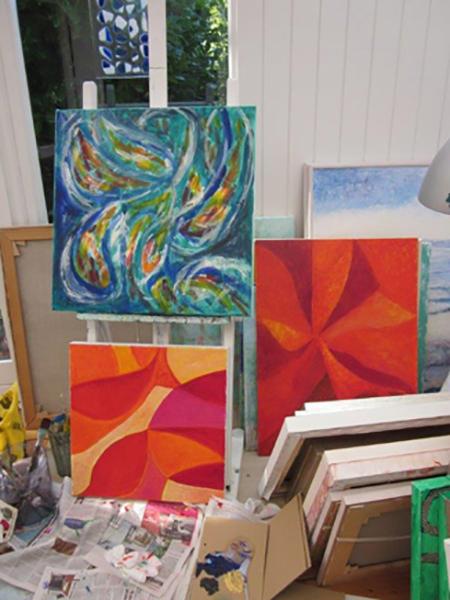 Abstrakte malerier i mit atelier